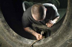 Reparatii complexe pentru salvarea anvelopelor tale